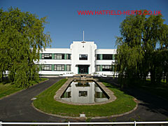Former de Havilland Aircraft Company HQ building - white, art deco